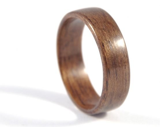 Queensland walnut wood ring - right side
